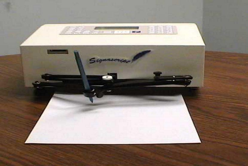 EADTrust autopen maquina reproducción de firmas manuscritas